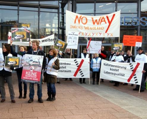 Protest beim Dialogforum Schiene Nord